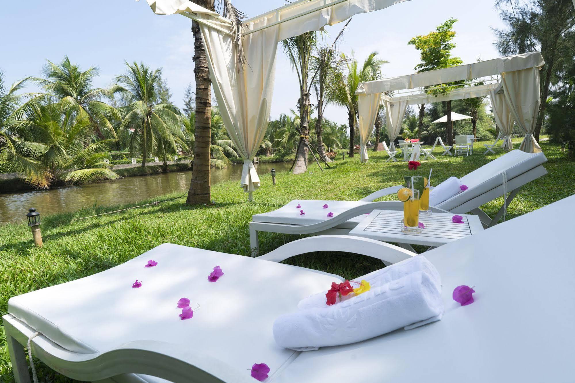 Hoi An River Island Villa