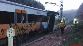 Primeras imágenes del accidente ferroviario. / Bomberos