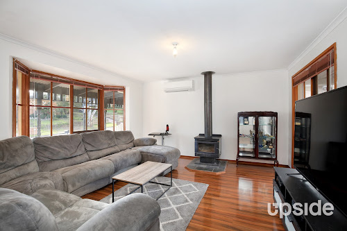 Photo of property at 13 Kooluna Court, Frankston 3199