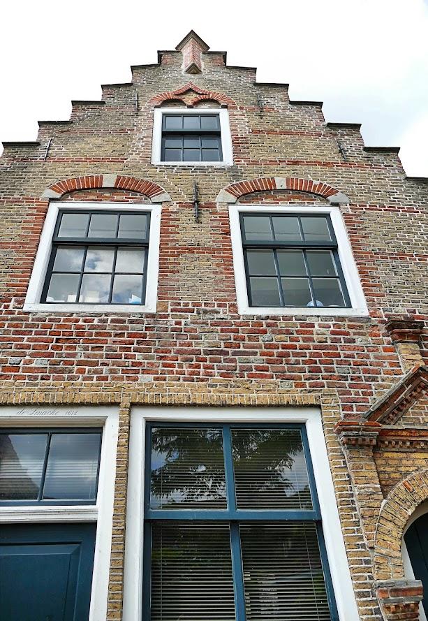 Aangeboden door: Stichting Microtoerisme InZicht Fotoblog Goes Poortje Sint Jacobstraat 9 examenstuk