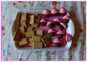 Photo: Gessetti a forma di biscotto e muffin