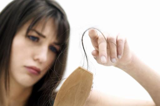 Nguyên nhân khiến mẹ bầu dễ rụng tóc khi mang thai