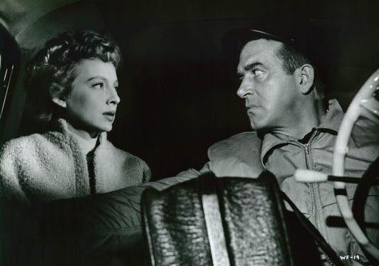 Resenha #57 - A Morte Ronda o Cais (99 River Street, 1953)