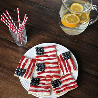 American Flag Cookie Pizzas