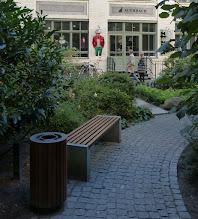 Photo: Hof III der Hackeschen Höfe; Auerbach Manufaktur