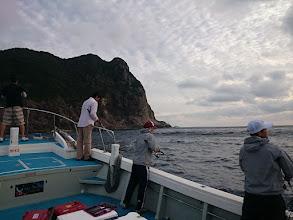 Photo: 沖は波、風があるのでまずは島影からスタート!