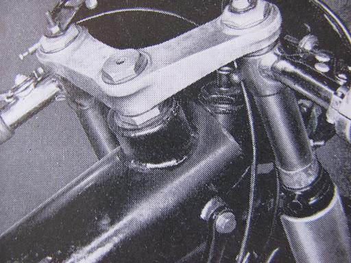 cadre-de-la-norton-type-f-presente-par-machines-et-moteurs-specialiste-des-anglaises-classiques