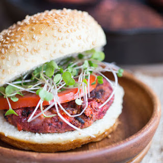 Smoky Beet and Quinoa Veggie Burgers