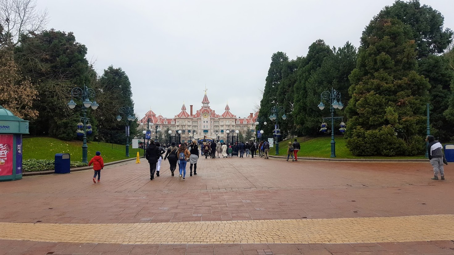 The Walkway to Disneyland Park