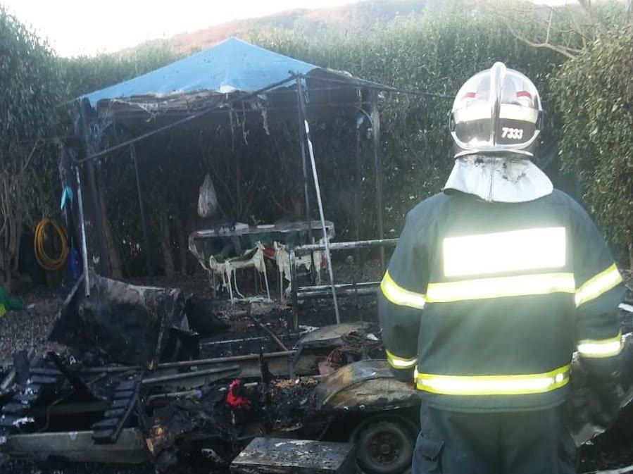 Incendio en una caravana en Jimena