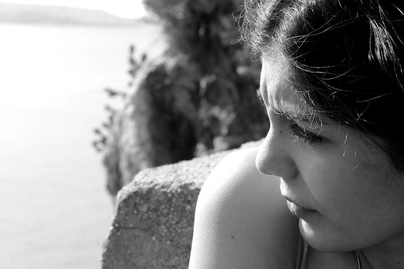Lo sguardo di Elena Sbrogiò