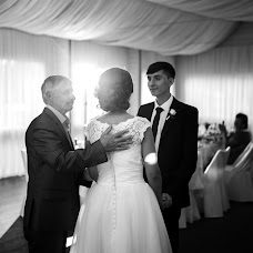 Wedding photographer Vadim Zakharischev (yourmoments). Photo of 09.08.2015