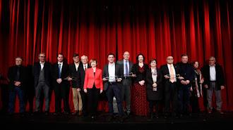 Foto de familia de los premiados en los Premios Alcazaba.