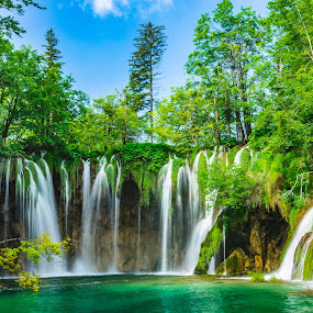 Plitvice Lakes National Park by Ryan Inhof - Landscapes Waterscapes ( croatia, national park, blue water, clearwater, waterfall, plitvice lakes, emerald )