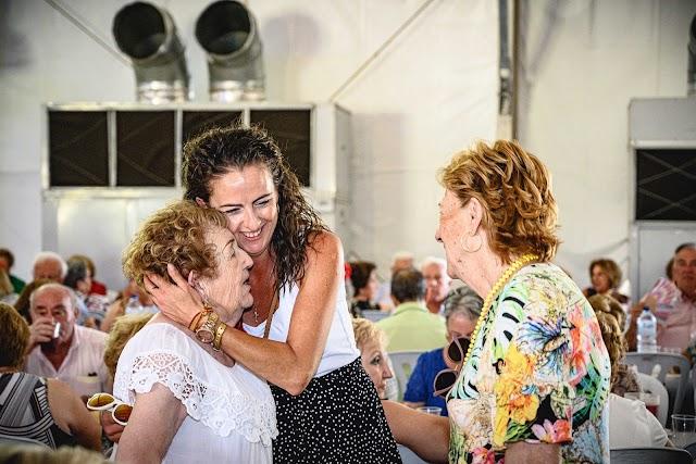 María del Carmen Andújar, Aránzazu Martín y Cloti Sevilla durante el evento.