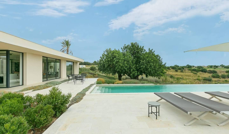 Villa avec piscine et terrasse Avola