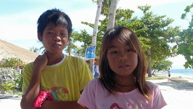 Photo: Dejlige børn alle steder. De fik solgt os en nøglering