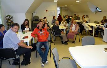 Photo: 2012. október 14-én különleges együttlétünk volt, ugyanis asztaltársaságokban, kisebb csoportokban beszélgettünk egy korábbi tanításról, amit Tamás ismételt át velünk előtte.