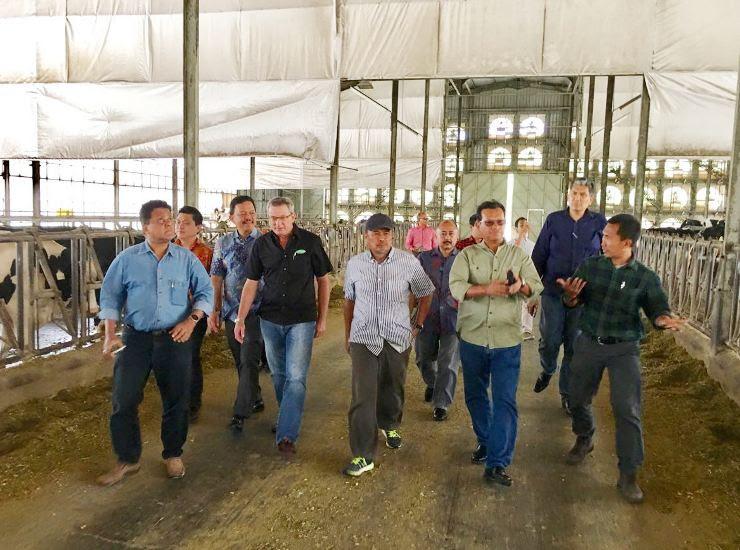 Menteri Malaysia kunjungi gunung kawi jatim