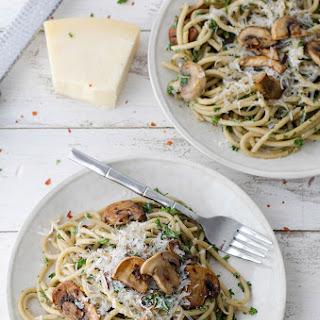 The BEST Creamy Mushroom Pasta