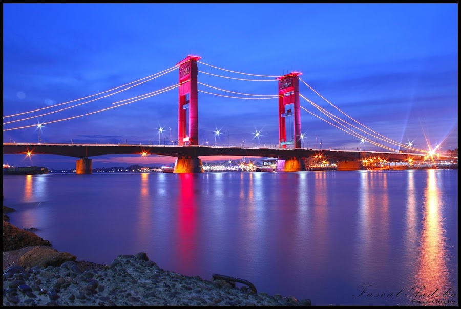 Ampera menjelang malam F/ 14Iso 100Speed 30 sec.Metering Mode - PaternFocal Length 18mm by Pascal Dika - Landscapes Starscapes