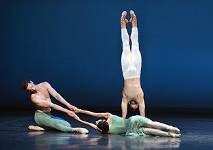 Photo: WIENER STAATSBALLETT - NUREJEW-GALA am 29.6.2013. Ballett VASLAV. Ryan Booth, Ketevan Papava, Denys Cherevychko. Foto: Barbara Zeininger