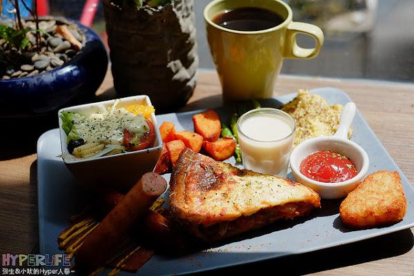 也是工業風路數的DEPOT小倉庫,鹹派味道濃郁內餡實在、軟法早午餐也頗讚!
