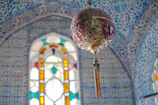 Topkapi-Palace-interior-2.jpg - Gilded globes hang in many of the rooms at Istanbul's Topkapi Palace, a symbol of the sultan watching over the world.