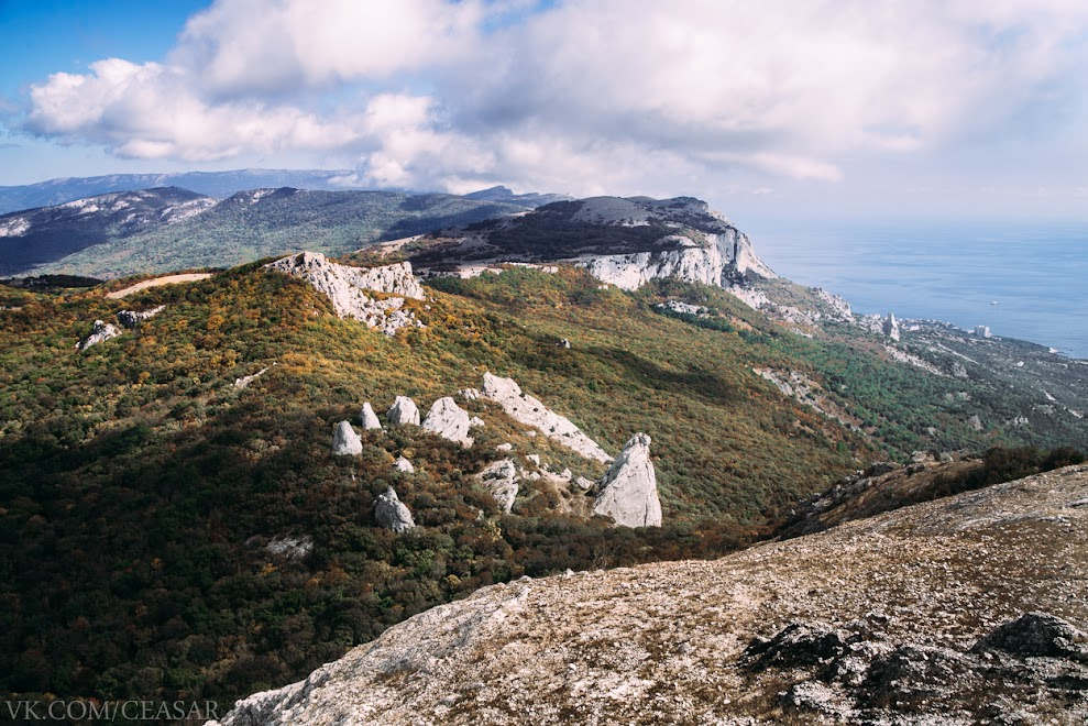 Вид с вершины Ильяс-Кая