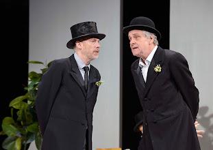 Photo: Wien/ Theater in der Josefstadt: KAFKA - EIN PROJEKT VON ELMAR GOERDEN. Premiere 25.4.2015. Regie: Elmar Goerden. Andre Pohl, Toni Slama. Foto: Barbara Zeininger
