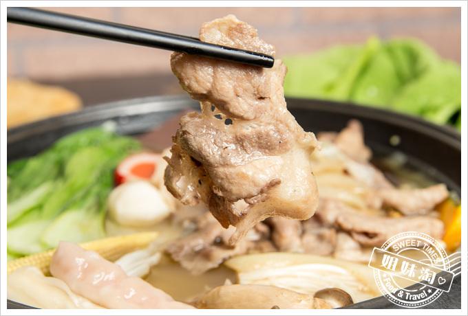 嘉義老牌石頭火鍋豬肉石頭火鍋
