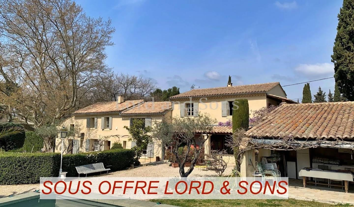 Property with pool Loriol-du-Comtat