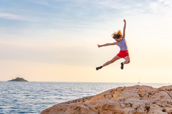 Salti di gioia per l'arrivo dell'estate di Pixel_nature_photography