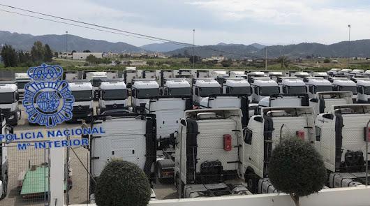 Camiones recuperados por la Policía Nacional.