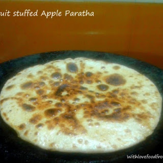 Dryfruit stuffed Apple paratha