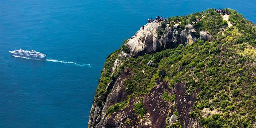 Ponant-Rio-Sugarloaf.jpg - Cruise by Sugarloaf, a landmark in Rio de Janeiro, on Ponant's L'Austral.