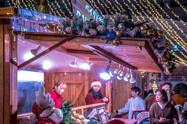 天神 福岡市役所西側ふれあい広場 TENJIN Christmas Market3