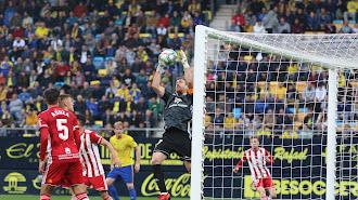 La última derrota del Almería fue en Cádiz (2-1).