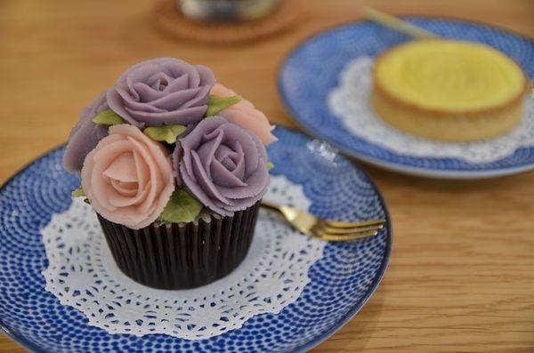 『小草堂』~美的像藝術品的凡爾賽玫瑰蛋糕,快到小草堂約會吧!