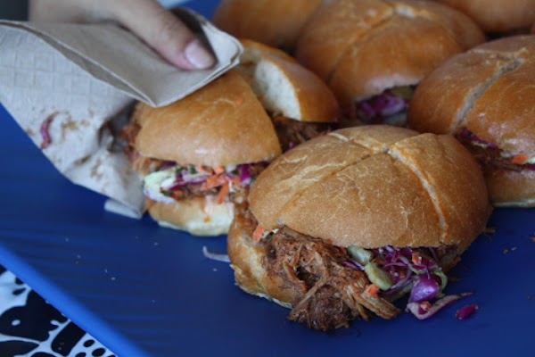 On The Plain Pulled Pork Sandwiches For Tailgating Recipe
