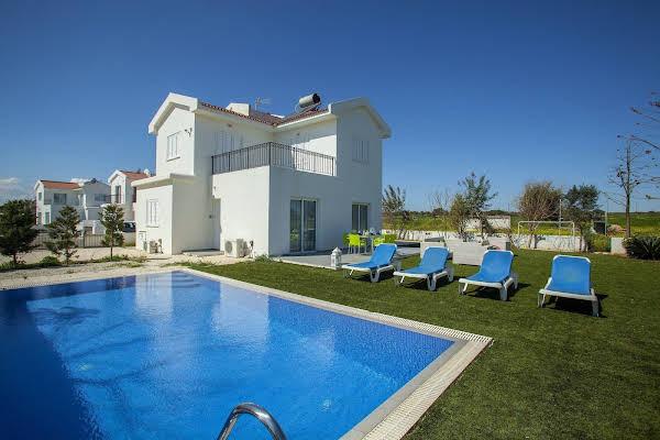 Villa Alona