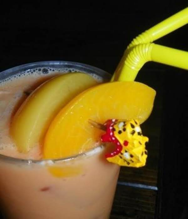 Peach Paradise Cocktail