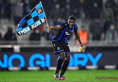 🎥 Mata plant de vlag van Club op de middenstip!