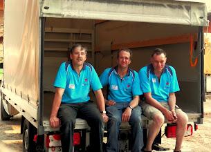 Photo: Alles hat ein Ende, auch die RSW. Geschafft aber zufrieden über den gelungenen Anlass, die drei Mann Logistik nach dem grossen Rückbau.