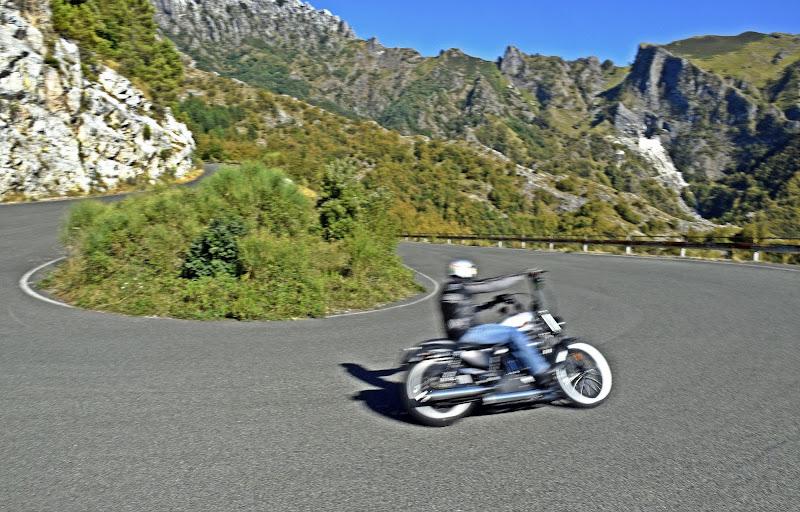On the road tra le Apuane  di Luciano Fontebasso