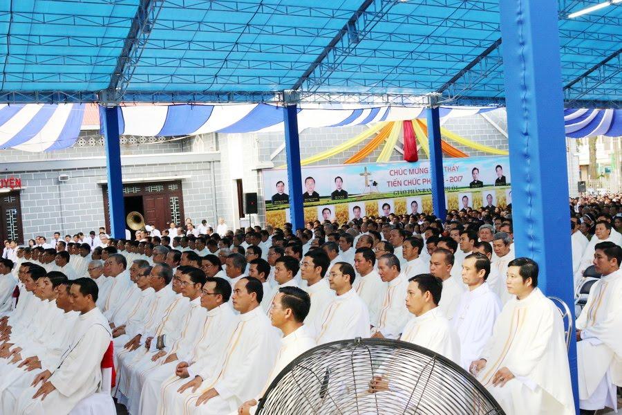 Lễ Tấn Phong chức Phó tế tại nhà thờ Chính Tòa Ban Mê Thuột - Ảnh minh hoạ 12