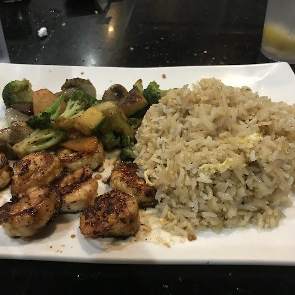 Shrimp, veggies and fried rice