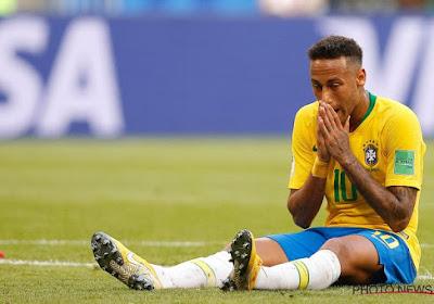 """Le Roi Pelé """"tire les oreilles"""" de Neymar"""