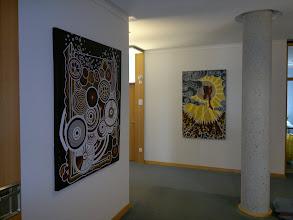 """Photo: Ölgemälde """"Die Leichtigkeit des Seins"""" (links) und """"Wegweiser"""" (rechts) von Doreen Wolff"""