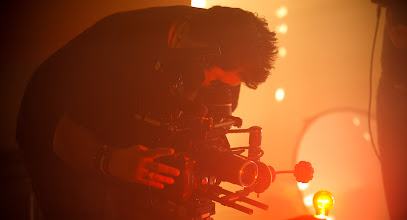 Photo: Philip Bloom on set with V-LOCK QUICK TIME RELEASE + Red Epic
